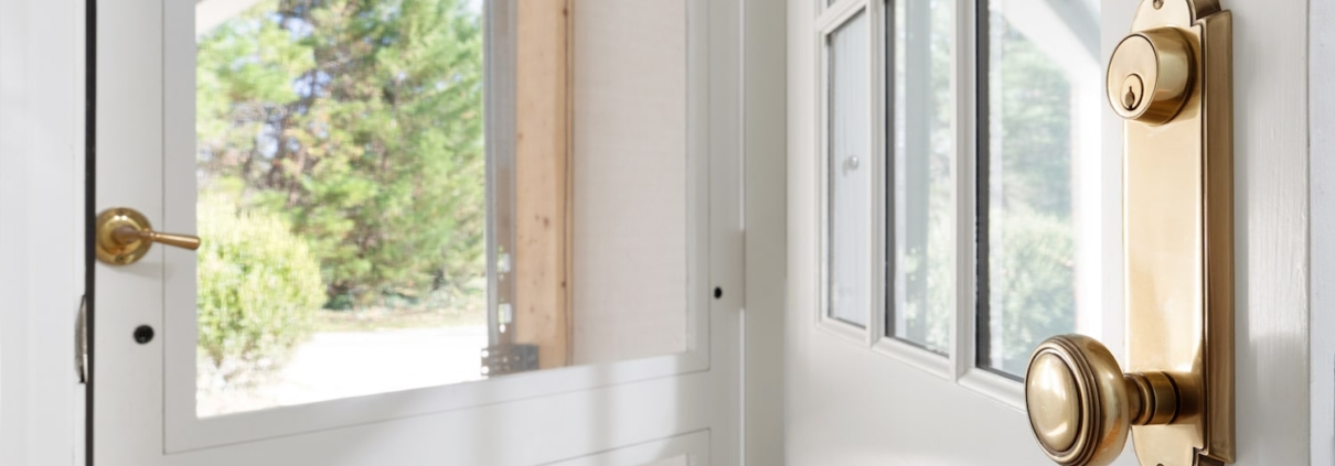 storm door detail